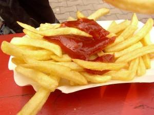 Pommes-Frites-verpackung-300x225 in Geschmack und Wahrnehmung - Der McD Effekt